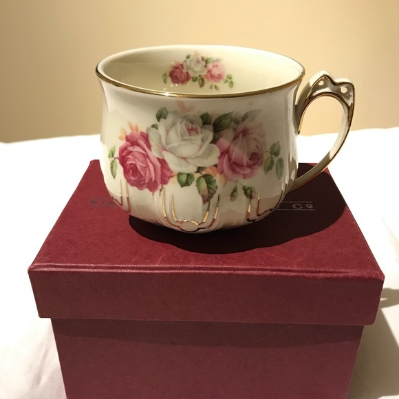 Victorian Trading Co Other - Victorian Teacup with P Initial
